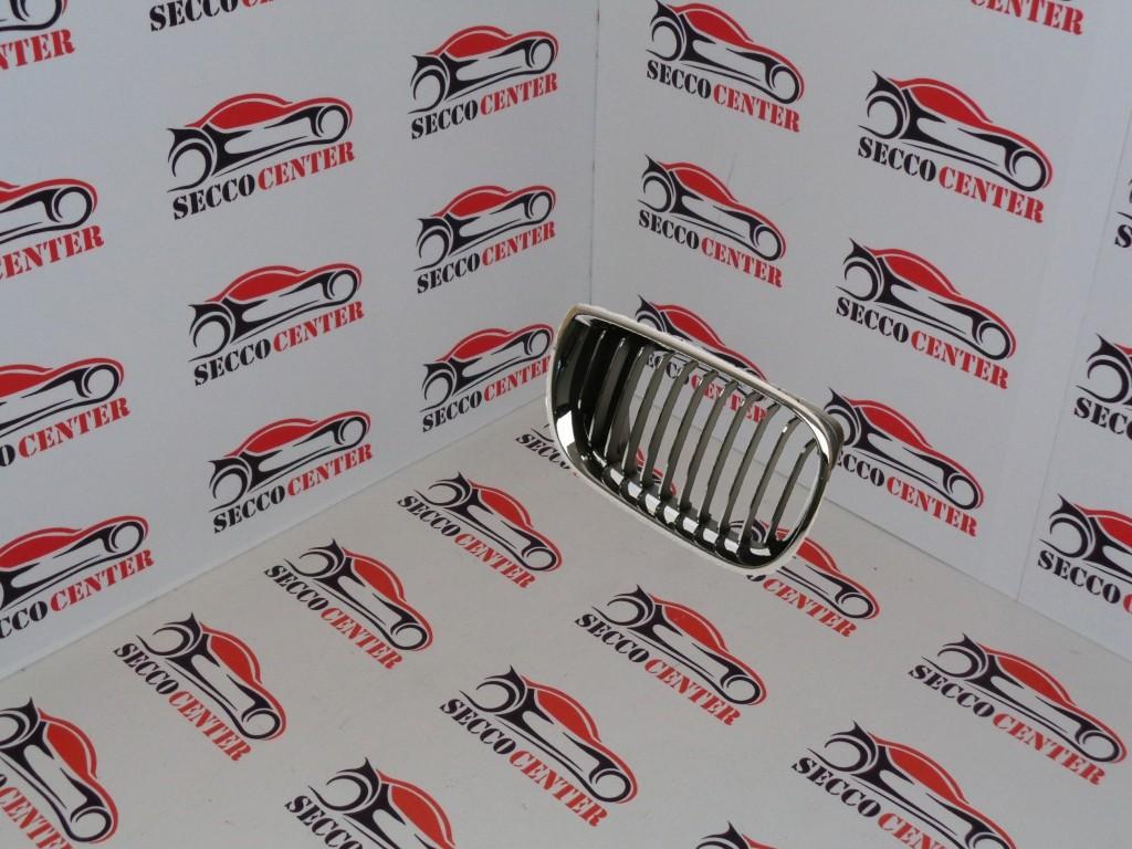 Grila radiator BMW Seria 3 E46 2001 2002 2003 2004 2005 crom crom dreapta