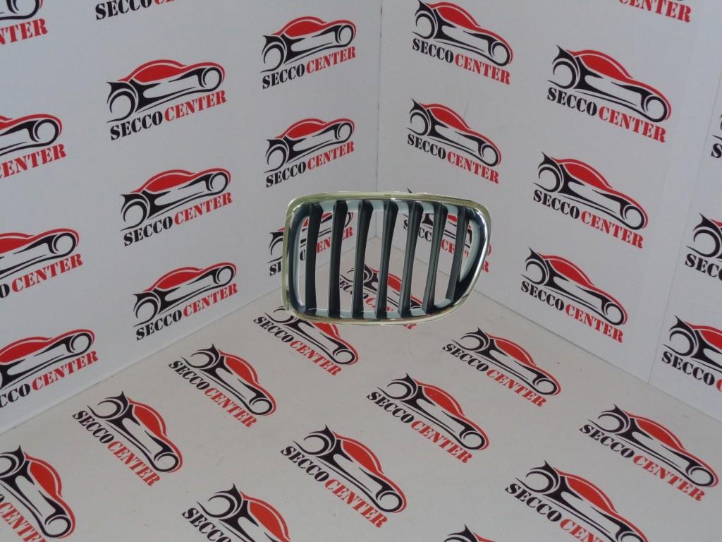 Grila radiator BMW X1 E84 2009 2010 2011 2012 2013 crom negru stanga
