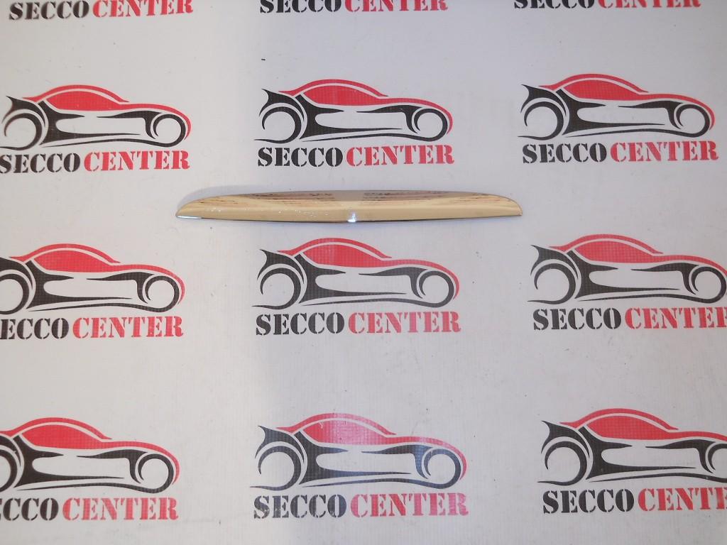 Ornament crom capota BMW Seria 3 E90 2005 2006 2007 2008 2009 stanga