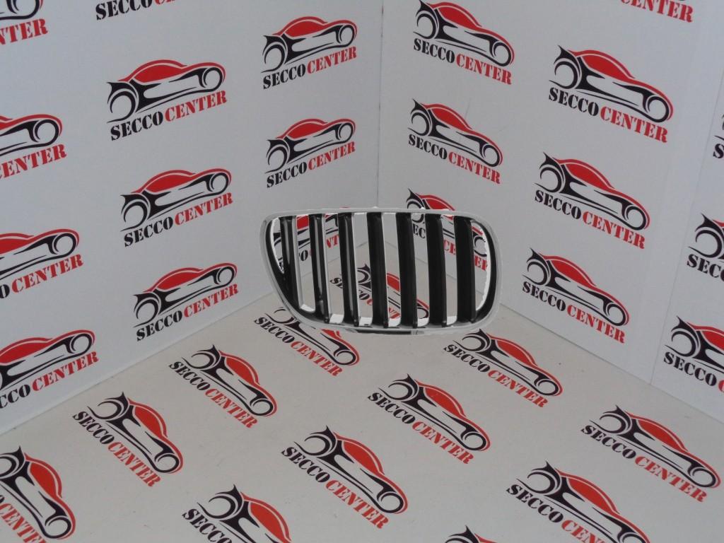 Grila radiator BMW X3 E83 2007 2008 2009 2010 2011 dreapta