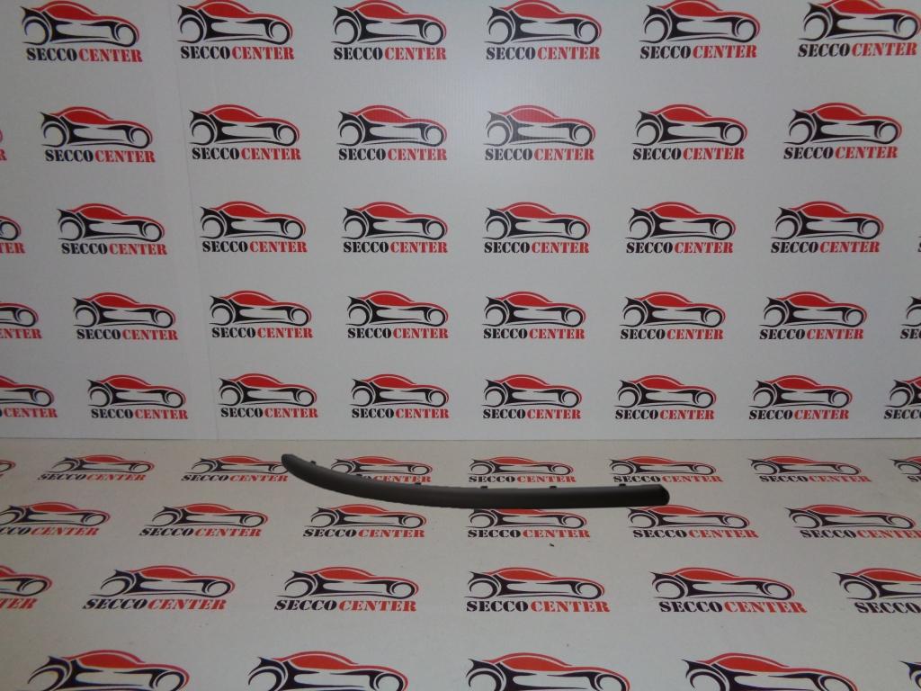 Bandou bara fata Alfa Romeo 147 2000 2001 2002 2003 2004 dreapta