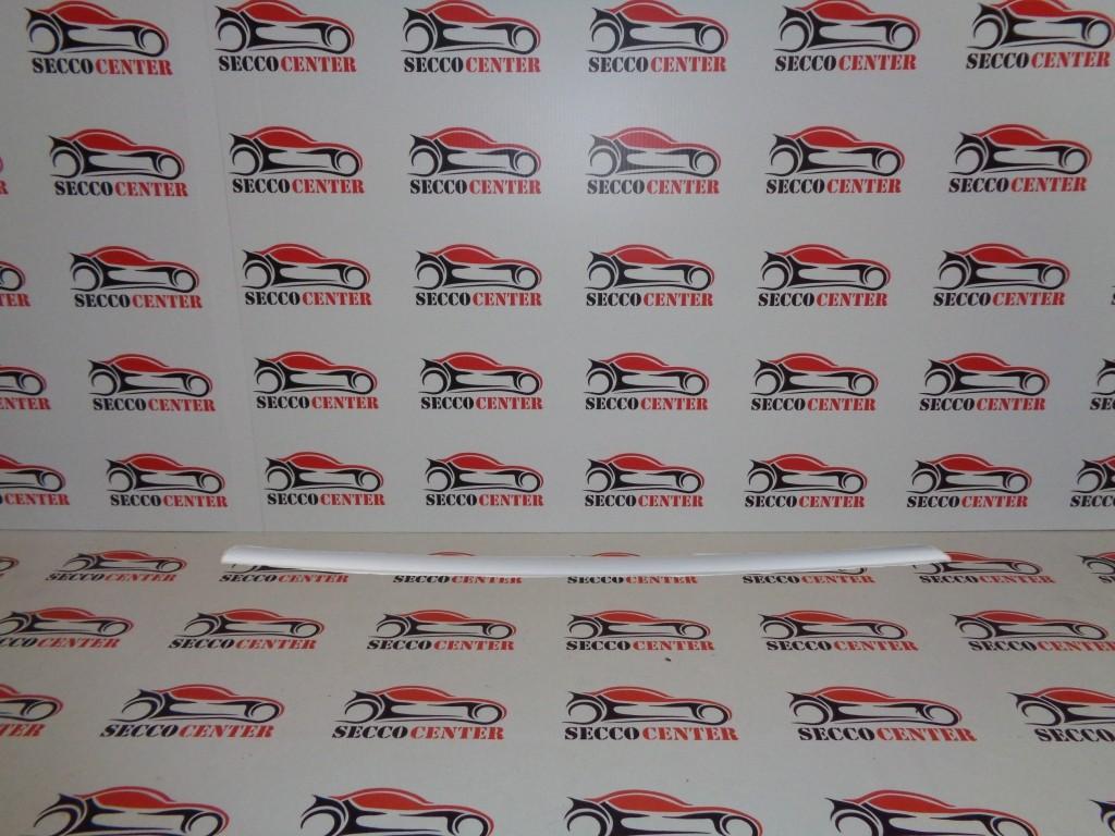 Bandou bara fata BMW Seria 3 F30 2011 2012 2013 2014 argintiu