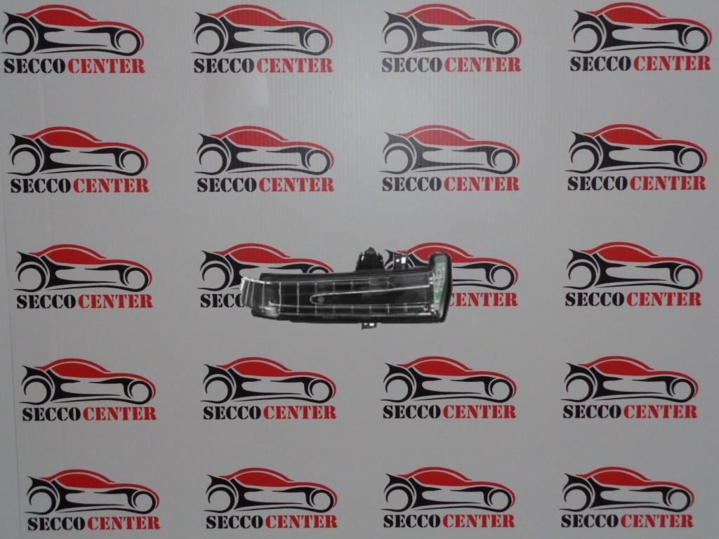 Semnal oglinda Mercedes C Class W204 Coupe 2011 2012 2013 2014 2015 dreapta